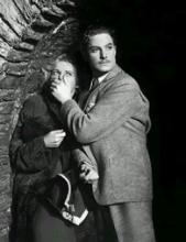 Robert Donat as fugitive Hannay with unwilling accomplice Madeleine Carroll (Pamela) in 39 Steps
